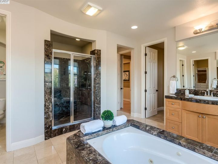 7294 Huntswood Ct Pleasanton CA Home. Photo 23 of 40