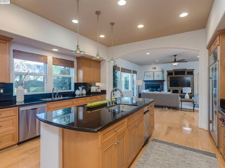 7294 Huntswood Ct Pleasanton CA Home. Photo 8 of 40