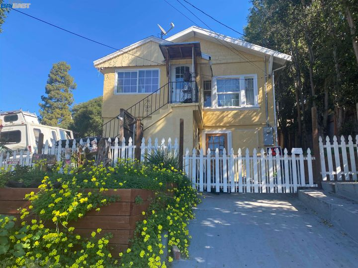 9824 Lawlor St Oakland CA Home. Photo 1 of 5