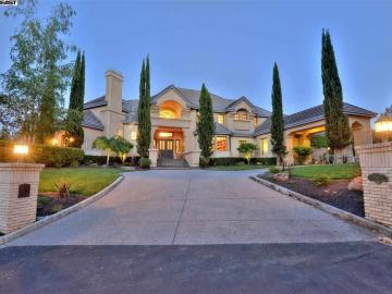1131 Eagle Nest Ct, Discovery Bay Country Club, CA