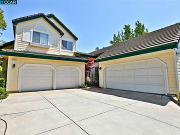 1403 Indianhead Way, Oakhurst, CA