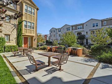 1577 Bleecker St, Milpitas, CA, 95035 Townhouse. Photo 2 of 29