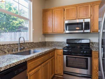 1620 Pinebrook Pl, Santa Rosa, CA, 95403 Townhouse. Photo 3 of 25