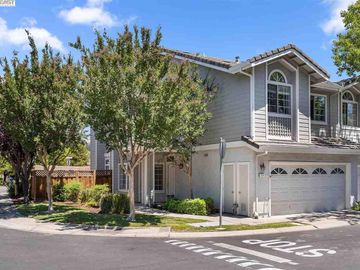 214 Country Meadows Ln, Heritage Park, CA