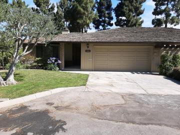 330 Woodside Dr, Salinas, CA