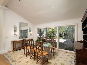 358 Walsh Rd Atherton CA Home. Photo 5 of 32