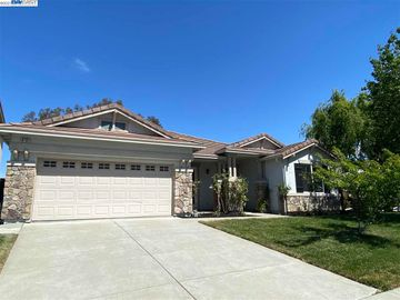 3737 Pintail Dr, Antioch, CA