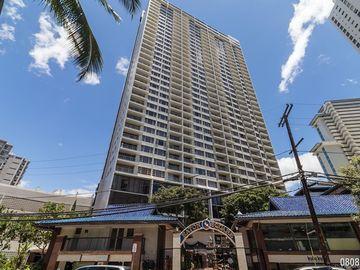 400 Hobron Ln, Waikiki, HI