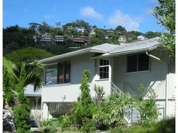 414 Uhini Pl Honolulu HI Home. Photo 2 of 10