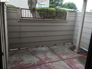 515 Lancaster Ln #136, Bay Point, CA, 94565 Townhouse. Photo 3 of 10