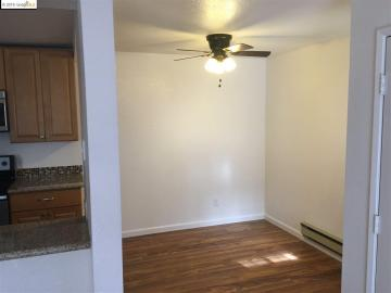 515 Lancaster Ln #136, Bay Point, CA, 94565 Townhouse. Photo 4 of 10