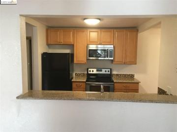515 Lancaster Ln #136, Bay Point, CA, 94565 Townhouse. Photo 5 of 10