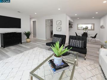5467 Roundtree Pl ##A, Concord, CA, 94521 Townhouse. Photo 1 of 37