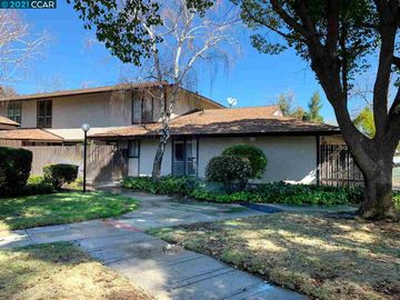 5467 Roundtree Pl ##A, Concord, CA, 94521 Townhouse. Photo 4 of 37