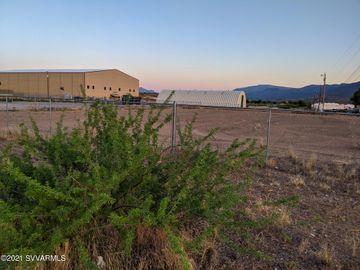 563 Howards Rd, Under 5 Acres, AZ