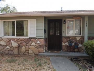 644 Chester Dr, Pittsburg, CA
