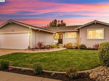 6731 Singletree Way, Val Vista, CA