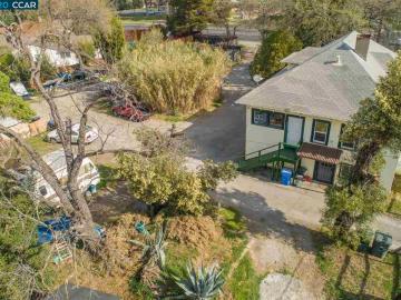901 Oak Grove Rd, Concord, CA