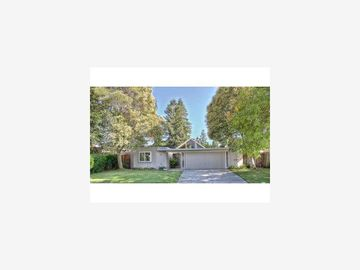 951 Trophy Dr, Mountain View, CA