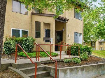 9690 Elmview Dr, Oakland, CA