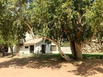 E Reay Rd, Under 5 Acres, AZ